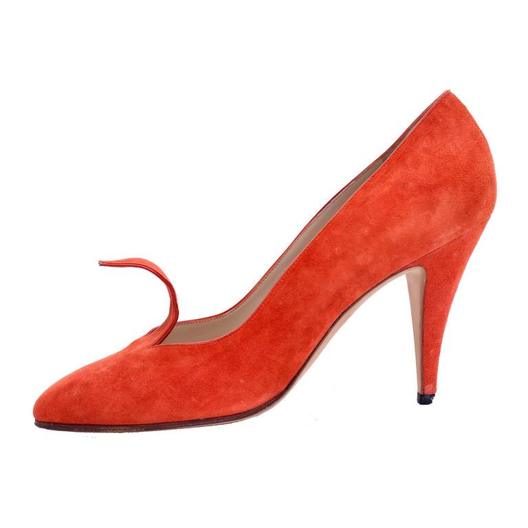 Women's Rare Vintage Orange Suede Manolo Blahnik Fall Shoes w/ Flame Size 38.5 For Sale