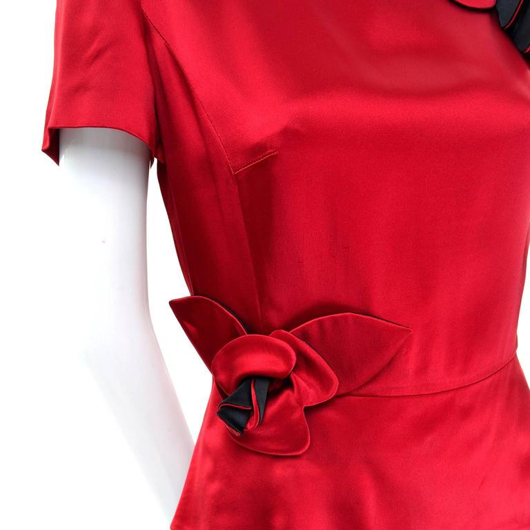 Vintage Moschino Red and Black Color Block Dress With Mini Peplum and Flower In Excellent Condition For Sale In Portland, OR