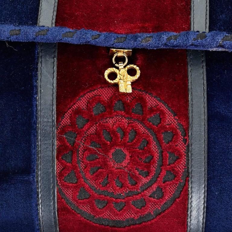 Red Rare 1960s L Righini Via Condotti Roma Blue & Burgundy Vintage Velveteen Handbag For Sale