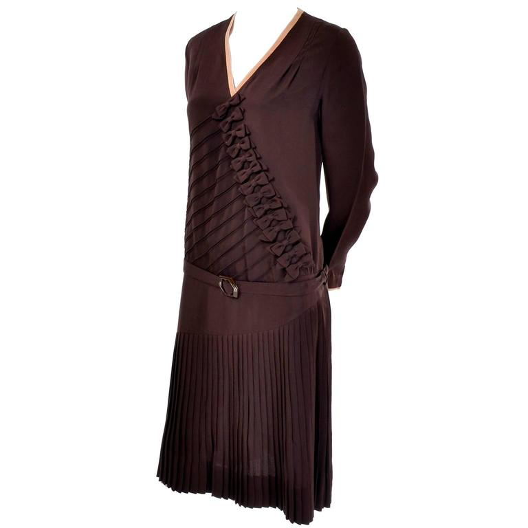 1920s Vintage Brown Silk Peach Trimmed Dress W/ Detailed Pleating & Rows of Bows For Sale