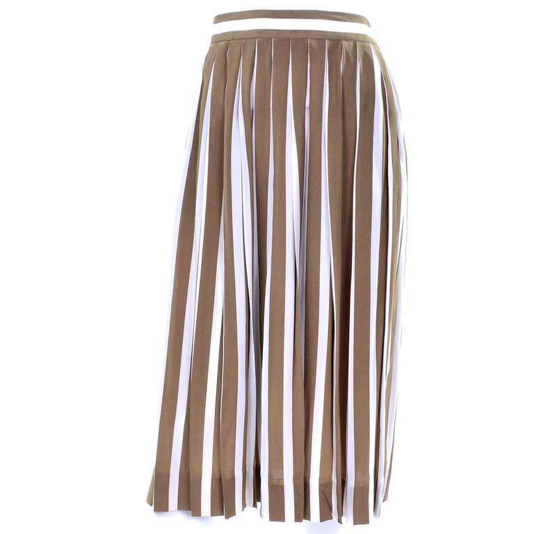 Albert Nipon Silk Striped Vintage 2 pc. Dress With Bow In Excellent Condition For Sale In Portland, OR