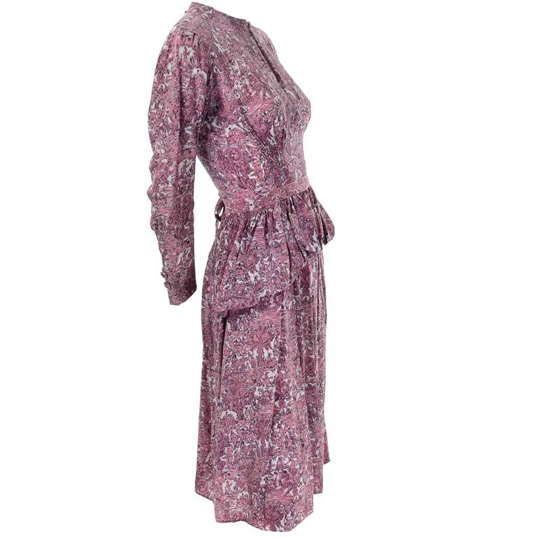 Brown 1940s Vintage Silk Dress in Rose Mauve Toile Novelty Print with Peplum For Sale