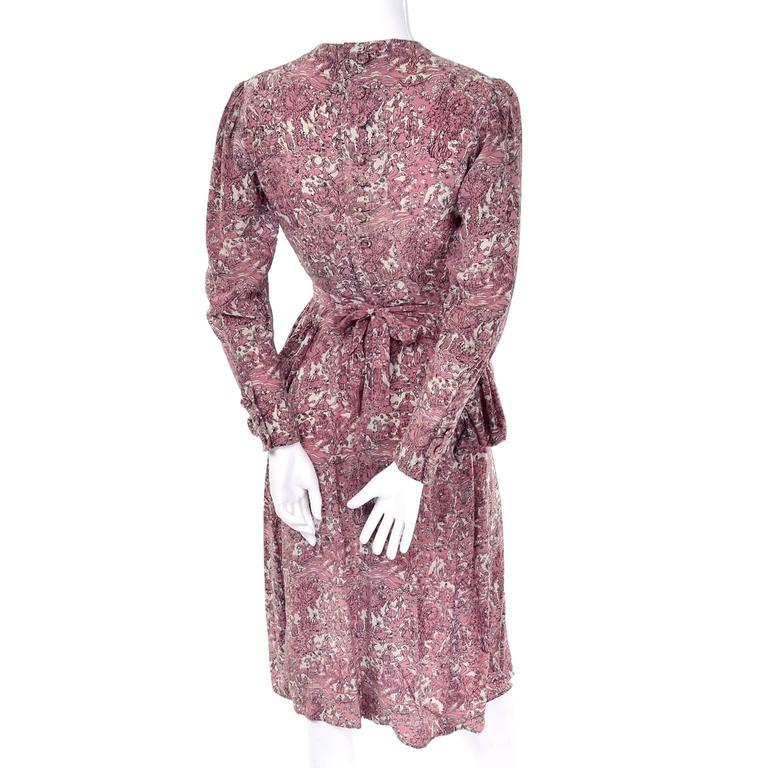1940s Vintage Silk Dress in Rose Mauve Toile Novelty Print with Peplum For Sale 1