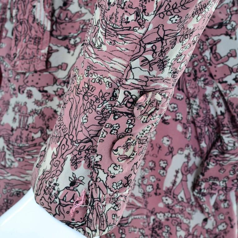 1940s Vintage Silk Dress in Rose Mauve Toile Novelty Print with Peplum For Sale 2