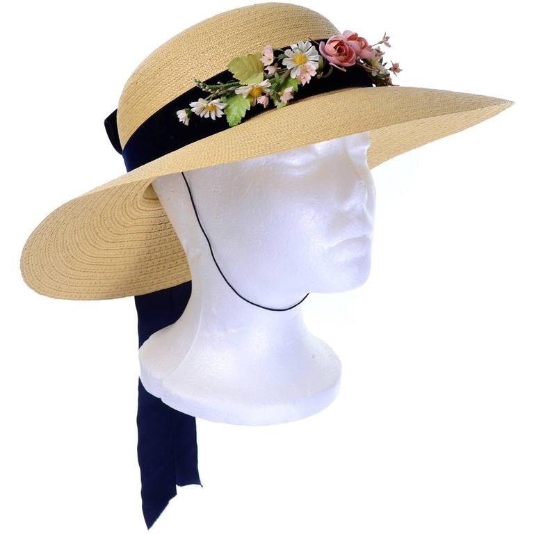 Vintage Straw Hat 1950s from I Magnin & Co Importers w/ Velvet Ribbon & Flowers In Excellent Condition For Sale In Portland, OR