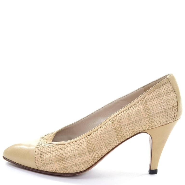 Chanel Vintage Pumps Woven Shoes With Tan Leather Trim in Size 8.5 6