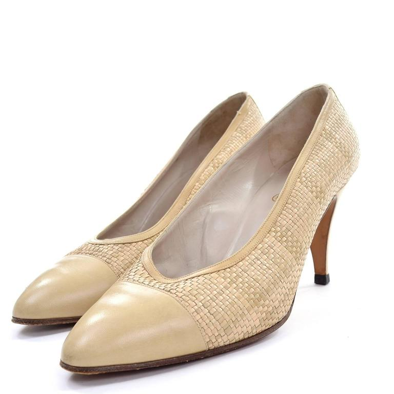 Chanel Vintage Pumps Woven Shoes With Tan Leather Trim in Size 8.5 2