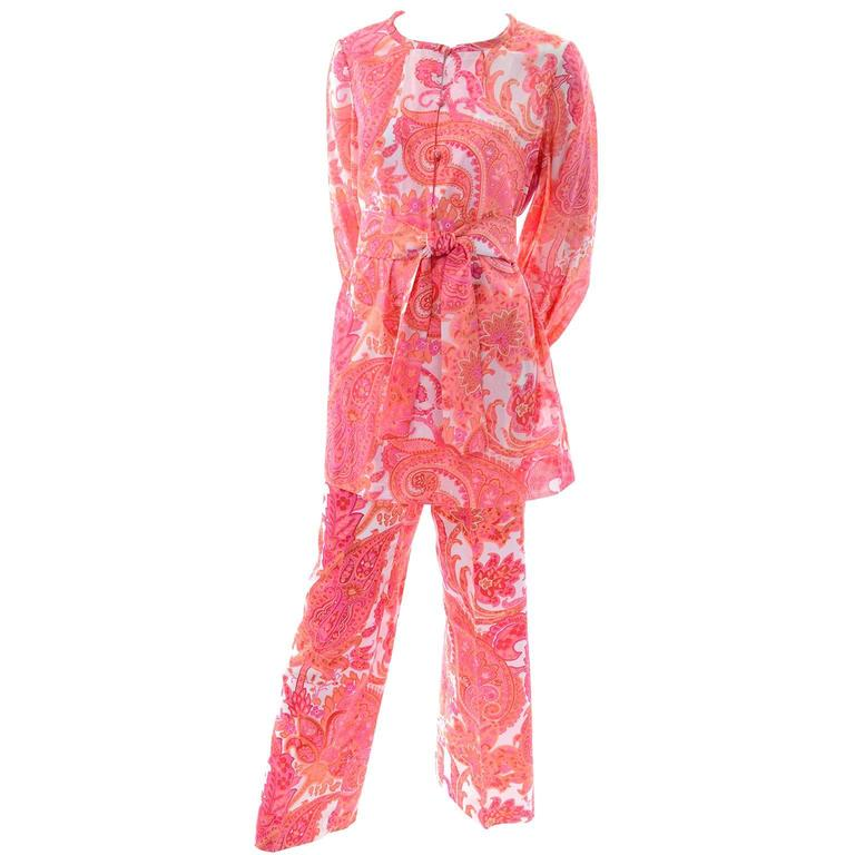 1970s Vintage Pink & Orange Cotton 2pc High Waisted Pants & Tunic Outfit w/belt  In New Condition For Sale In Portland, OR