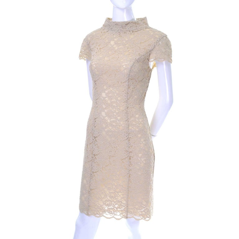 Moschino Cream Sand Lace Short Sleeve Mock T Neck Vintage Dress US Size 6  In Excellent Condition For Sale In Portland, OR