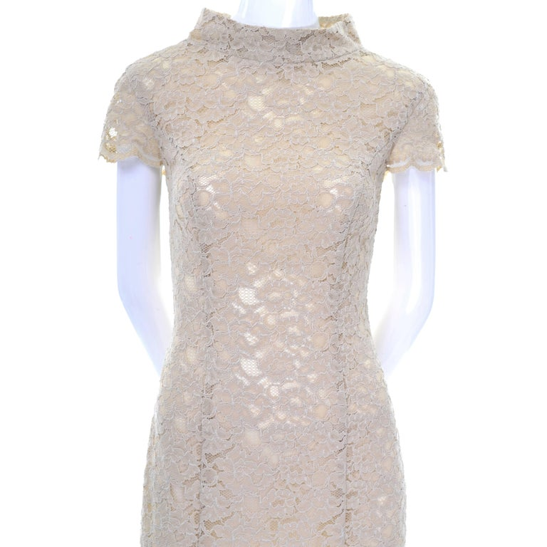 Moschino Cream Sand Lace Short Sleeve Mock T Neck Vintage Dress US Size 6  For Sale 2