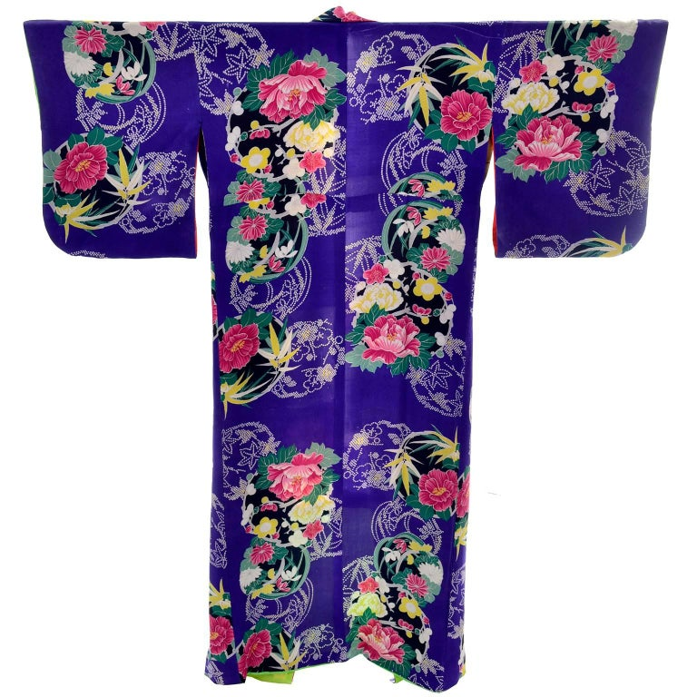 be1410840 Royal Blue Vintage Silk Kimono Robe With Pink & Yellow Flowers and Silk  Lining For Sale