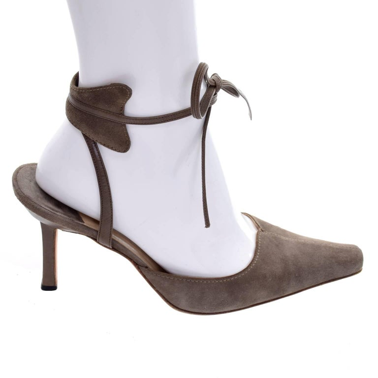 Women's Manolo Blahnik Vintage Suede Shoes With Leather Ankle Straps Size 37.5 For Sale