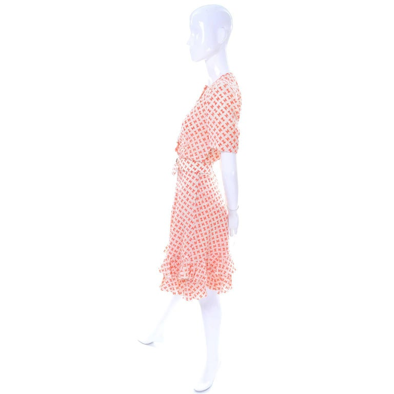 Vintage Couture Dress with Orange & White Silk Bow Print and Ruffled Hem Size 2 For Sale 1