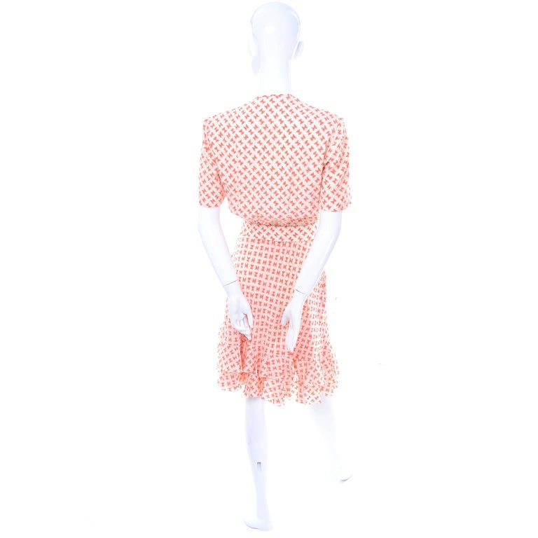 Vintage Couture Dress with Orange & White Silk Bow Print and Ruffled Hem Size 2 For Sale 2
