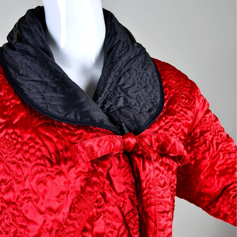 1990s Sonia Rykiel Jacket Reversible Quilted Red & Black Coat With Hood In Good Condition For Sale In Portland, OR