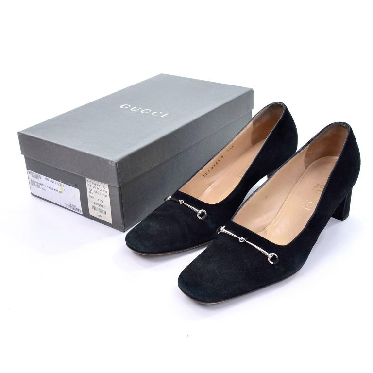 8d7399e868d4 These black suede vintage Gucci shoes have the classic silver horse bit  buckles and are marked