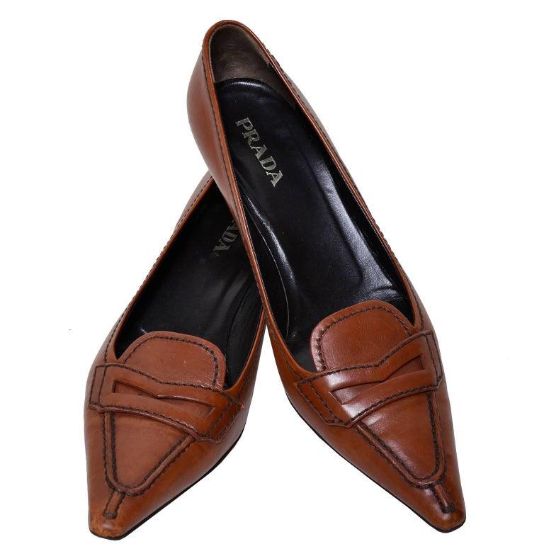 Women's Prada cognac brown leather kitten heel shoes Size 37 For Sale