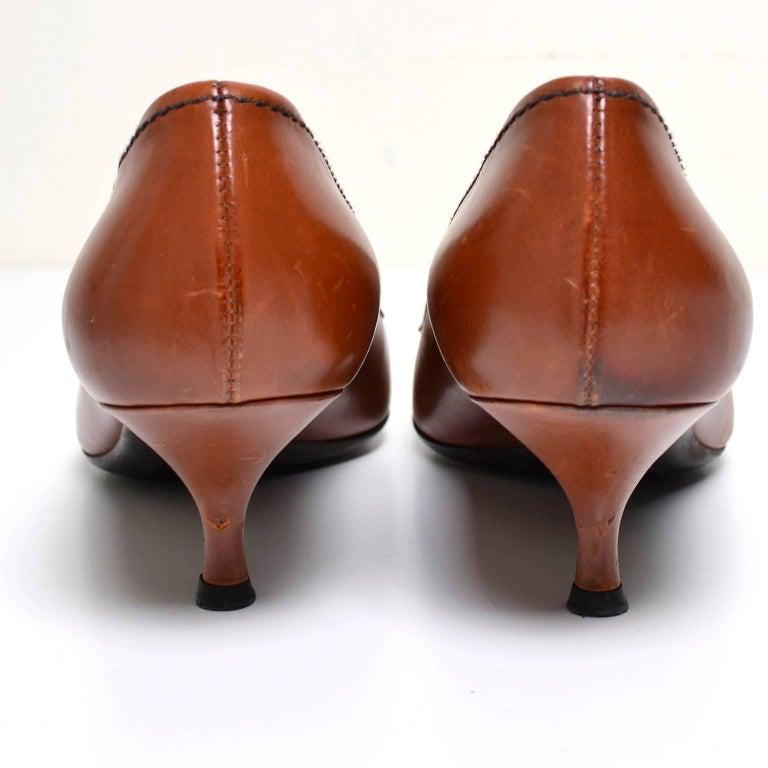 Prada cognac brown leather kitten heel shoes Size 37 For Sale 2