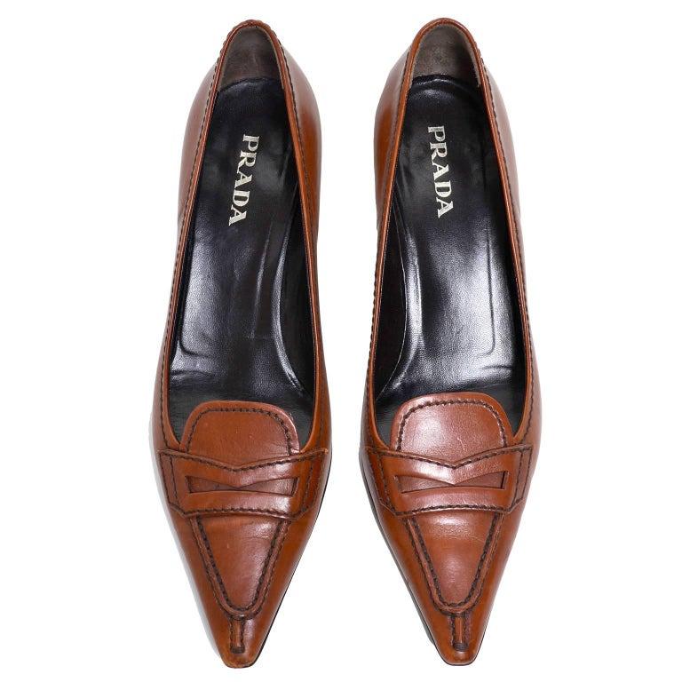 Prada cognac brown leather kitten heel shoes Size 37 For Sale 1