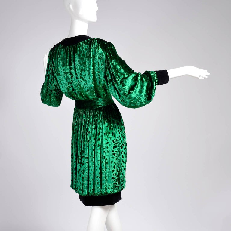 a56b7ea96fdd25 This is an absolutely stunning green silk velvet leopard pattern 2 piece  ensemble from Yves Saint