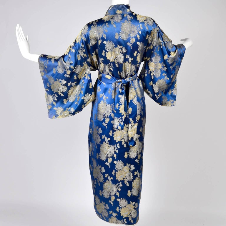 vintage kimono Japanese with print full flowers  silk fabric long kimono