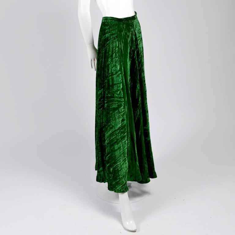 1970s Yves Saint Laurent YSL Vintage Skirt in Green Crushed Velvet In Excellent Condition For Sale In Portland, OR