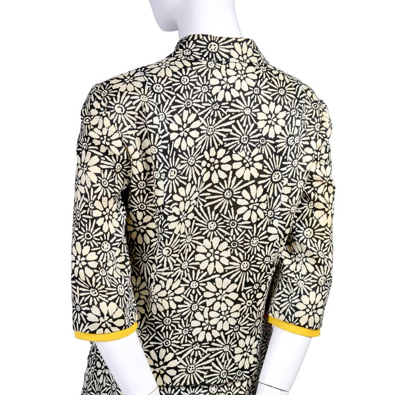 Bullocks Wilshire 1960s Skirt Suit in Floral Linen Print W Marigold Yellow Trim For Sale 1
