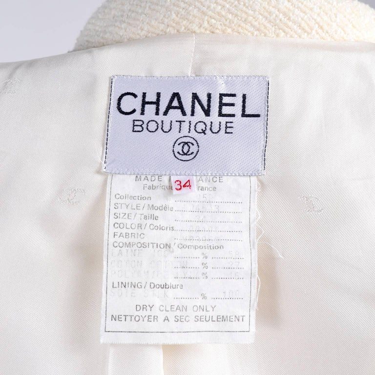 Chanel Blazer Jacket in Creamy Ivory Tweed Wool w/ CC Logo Buttons & Silk Lining For Sale 3