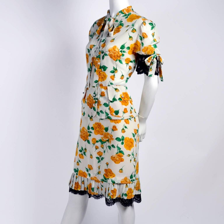 Women's Dolce & Gabbana Dress 2pc Skirt & Blouse in Yellow Rose Floral Print & Lace Trim For Sale
