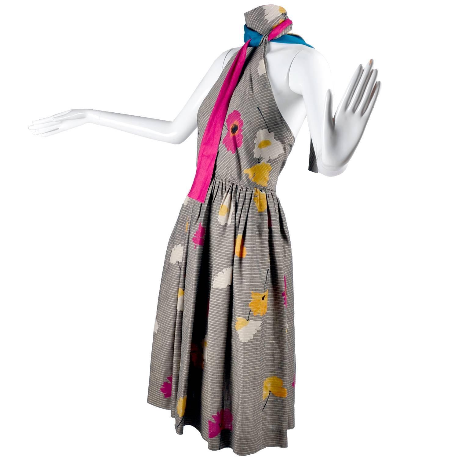 Vintage 1970s Albert Nipon Halter Dress in Linen and Cotton Floral Print Size 2
