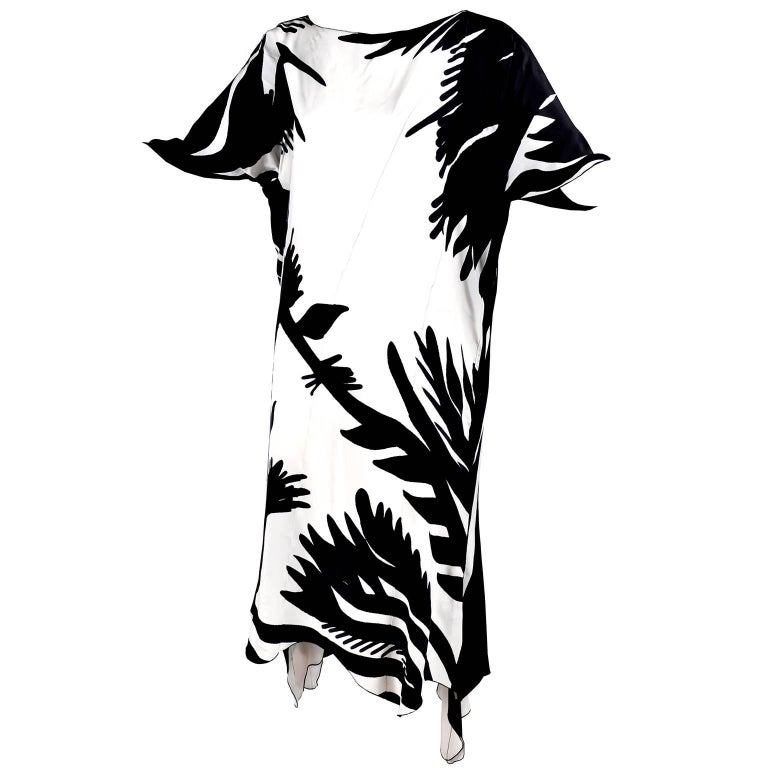 Vintage Caftan Dress in Black and White High Contrast Abstract Print