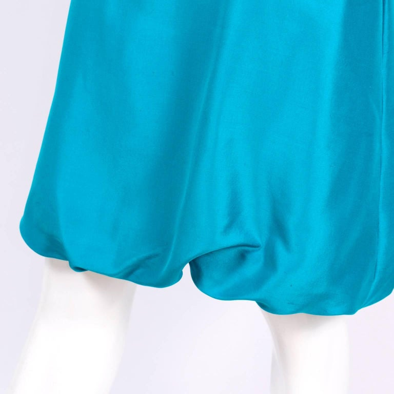 Oscar de la Renta Blue Turquoise Sleeveless Silk Dress W Bubble Hem Resort 2009 In Excellent Condition For Sale In Portland, OR