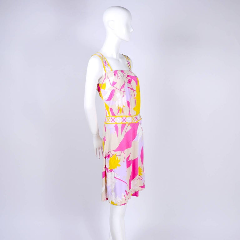 Pucci Rayon Jersey Leaf Floral Print Dress in Pink Cream Yellow and Lavender 10 In Excellent Condition For Sale In Portland, OR