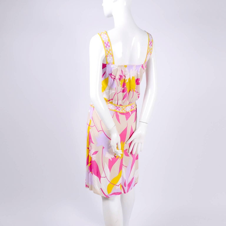 Pucci Rayon Jersey Leaf Floral Print Dress in Pink Cream Yellow and Lavender 10 For Sale 2