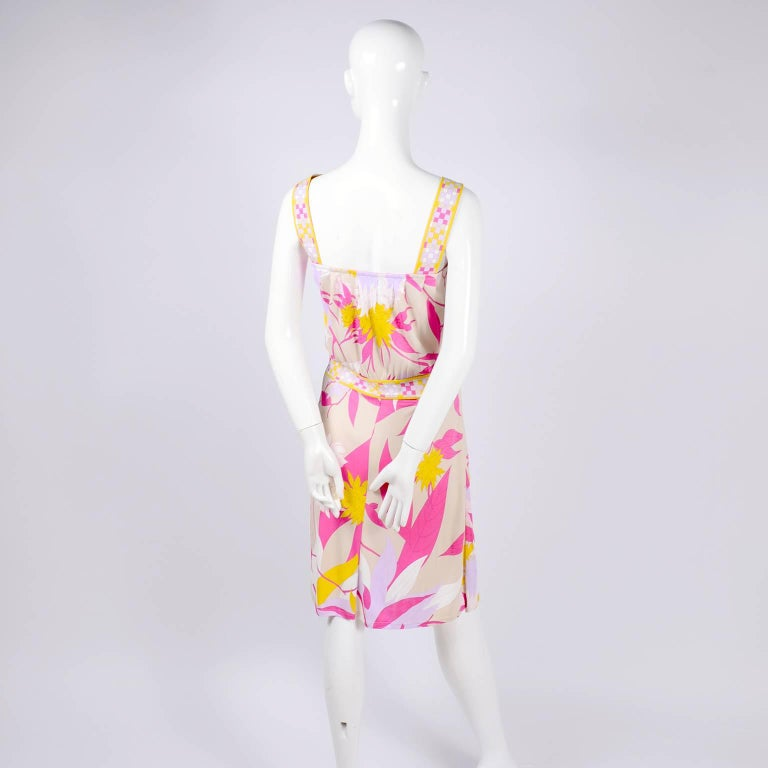 Women's or Men's Pucci Rayon Jersey Leaf Floral Print Dress in Pink Cream Yellow and Lavender 10 For Sale