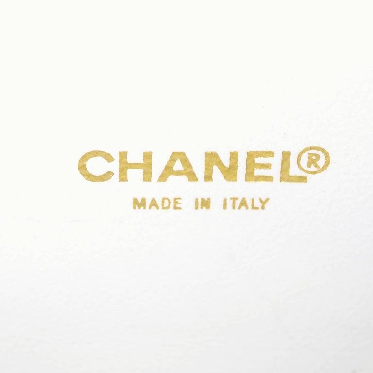 Rare Chanel Round Black & White Lambskin Handbag Circle Shoulder Bag or Clutch  For Sale 8