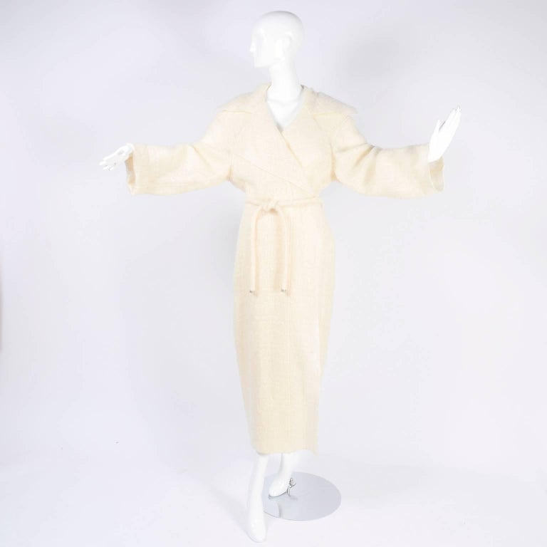 Women's Chanel Coat in Cream Mohair Wool, Autumn / Winter 1998 For Sale