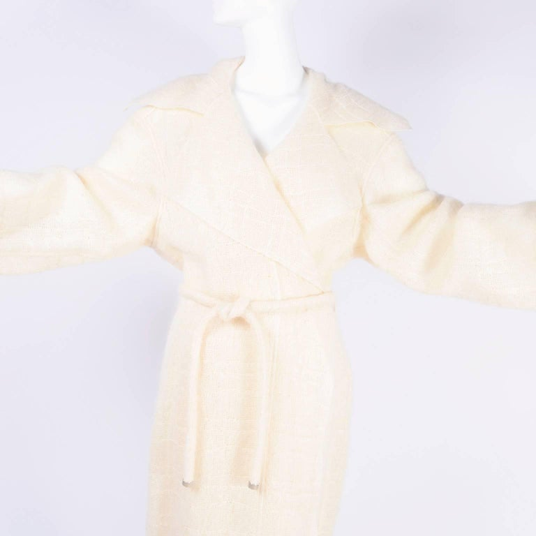 Chanel Coat in Cream Mohair Wool, Autumn / Winter 1998 For Sale 1