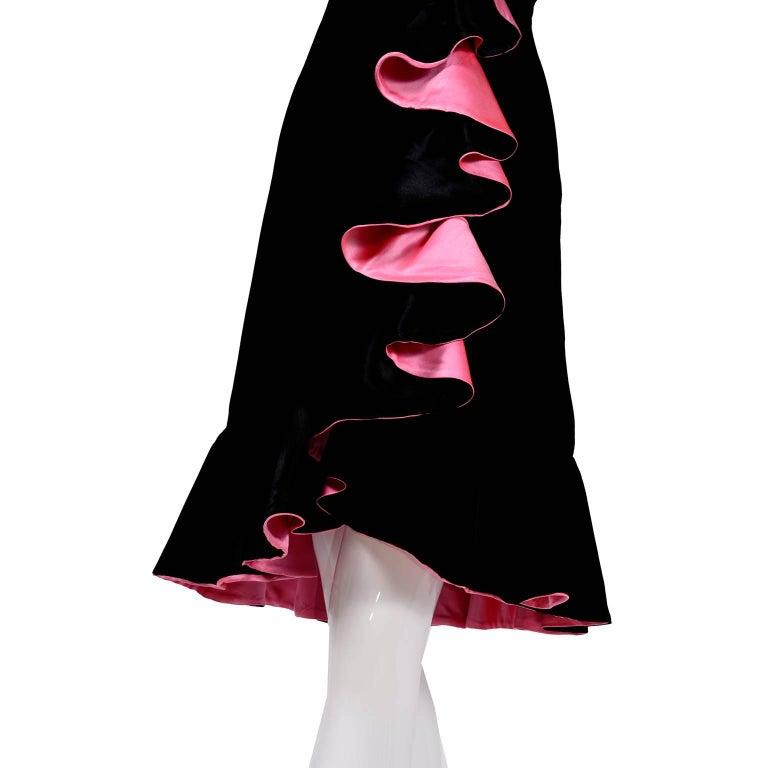 1980s Oscar de la Renta Vintage Dress in Black Velvet with Pink Satin Ruffles In Excellent Condition For Sale In Portland, OR