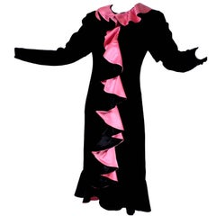 1980s Oscar de la Renta Vintage Dress in Black Velvet with Pink Satin Ruffles
