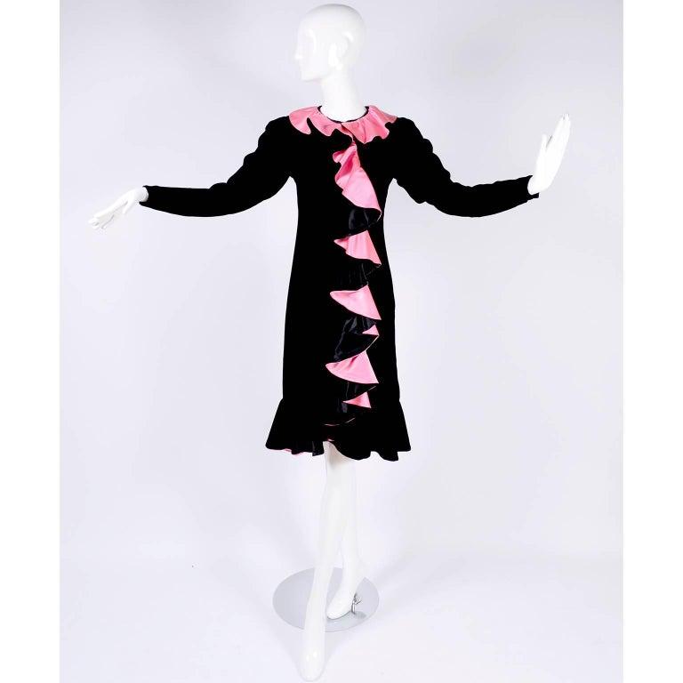 1980s Oscar de la Renta Vintage Dress in Black Velvet with Pink Satin Ruffles For Sale 1