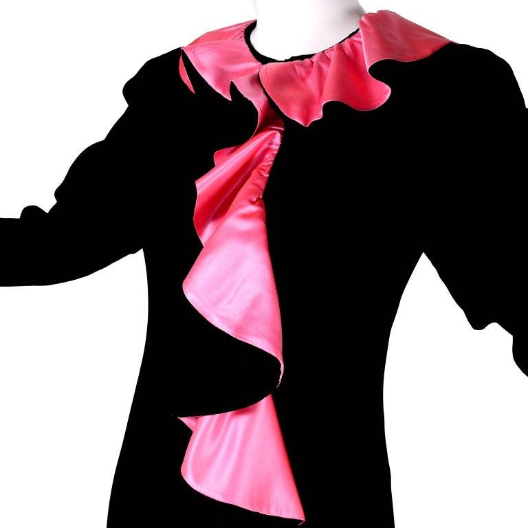 1980s Oscar de la Renta Vintage Dress in Black Velvet with Pink Satin Ruffles For Sale 3