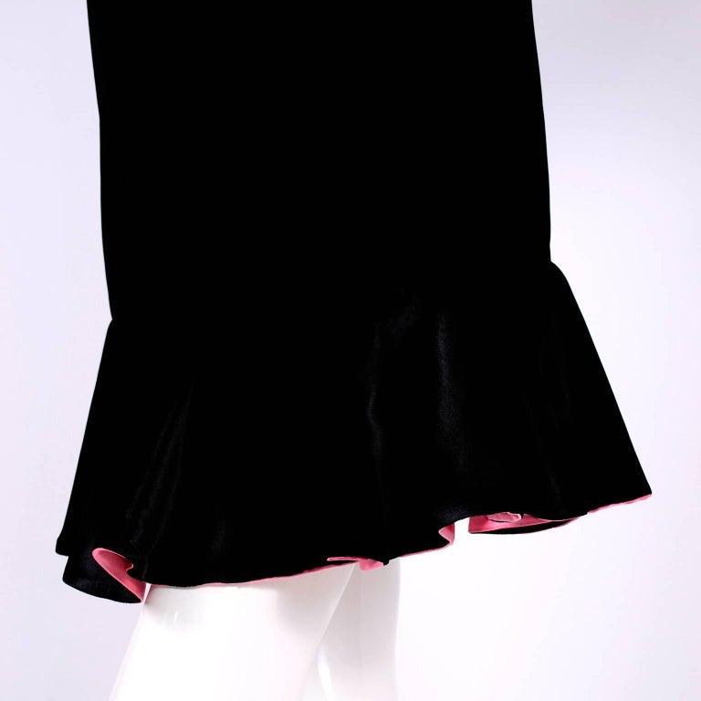 1980s Oscar de la Renta Vintage Dress in Black Velvet with Pink Satin Ruffles For Sale 7