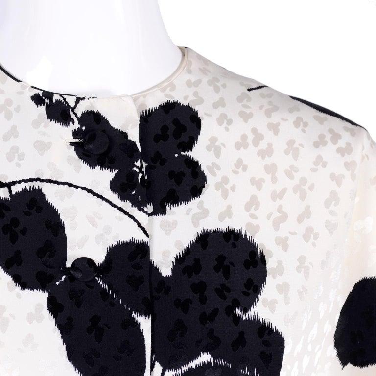 I Magnin Silk Dress 2 Pc Black & Ivory Graphic Floral Print Kimono Sleeves For Sale 3