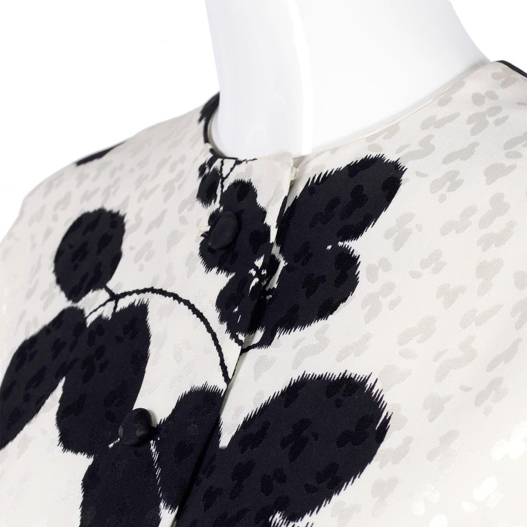 I Magnin Silk Dress 2 Pc Black & Ivory Graphic Floral Print Kimono Sleeves In Excellent Condition For Sale In Portland, OR