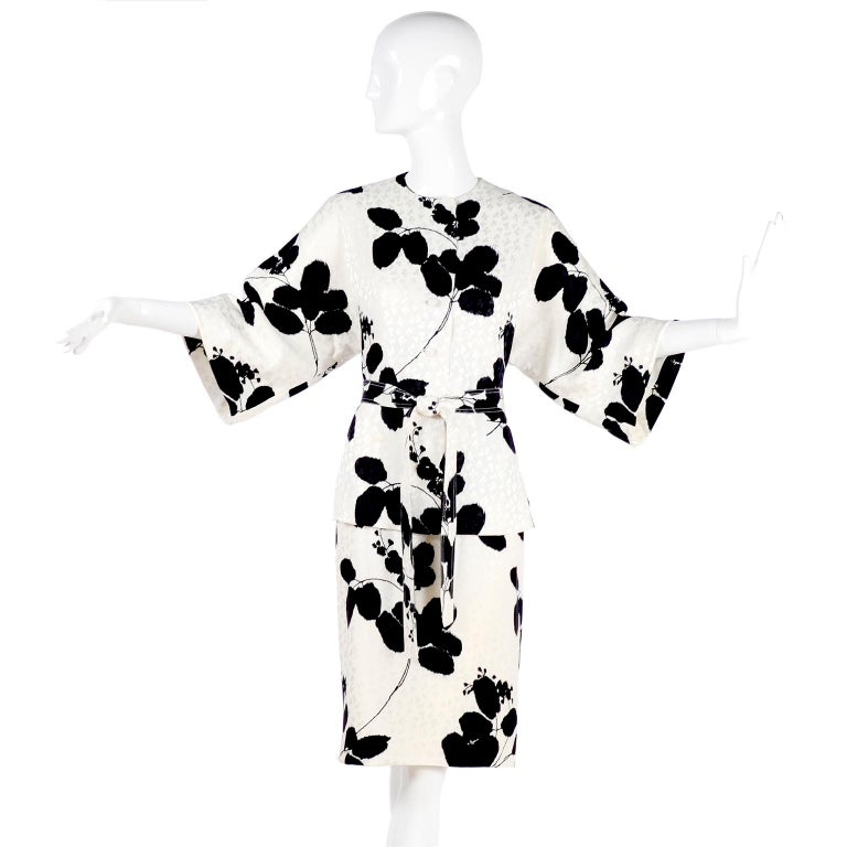 I Magnin Silk Dress 2 Pc Black & Ivory Graphic Floral Print Kimono Sleeves For Sale 2