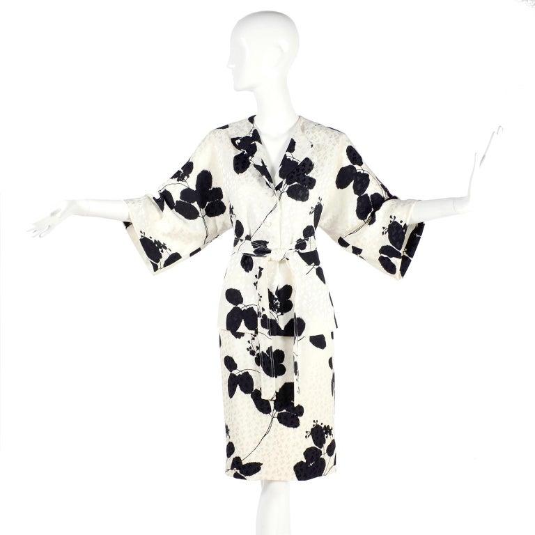 White I Magnin Silk Dress 2 Pc Black & Ivory Graphic Floral Print Kimono Sleeves For Sale