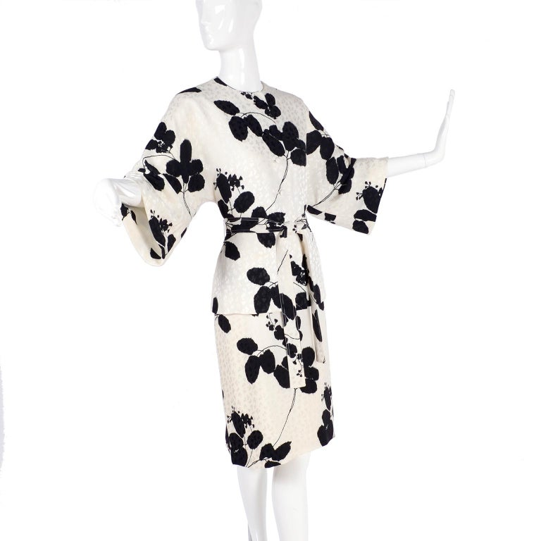 This is an absolutely gorgeous 3 piece ensemble that came from an estate of a 93 year old retired California judge.  We were fortunate to be able to acquire her estate of designer clothing and are so honored to be able to offer it on 1stdibs this
