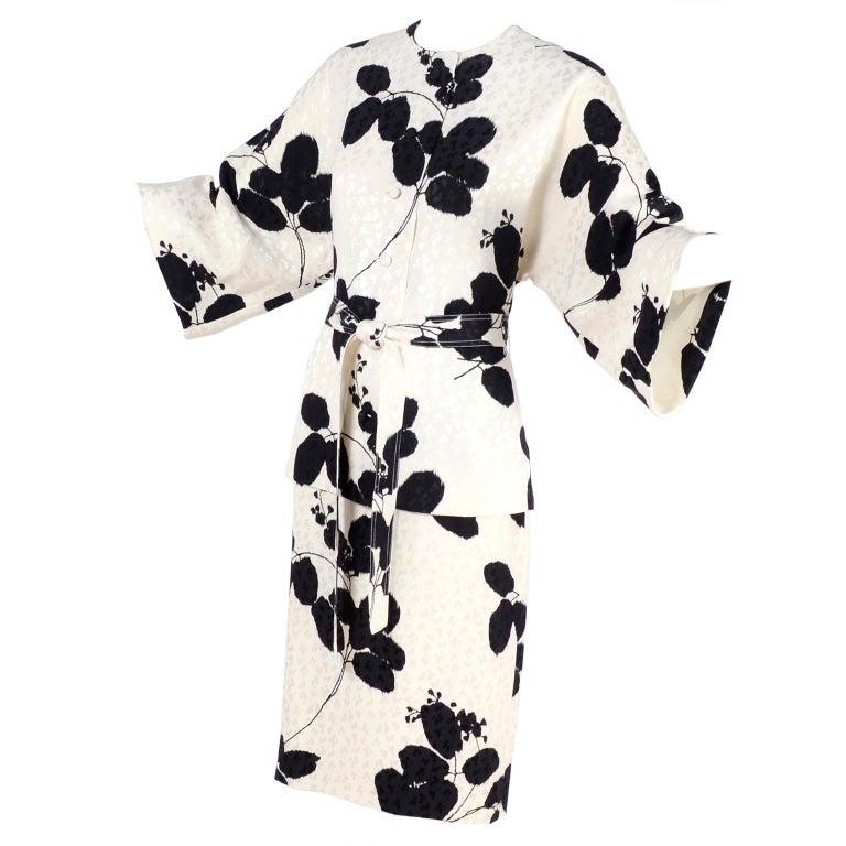 I Magnin Silk Dress 2 Pc Black & Ivory Graphic Floral Print Kimono Sleeves For Sale