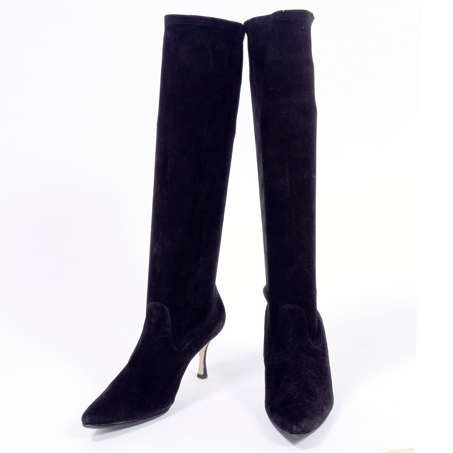 f096c3d1e93cc Manolo Blahnik Boots in Black Suede Knee Length With 3